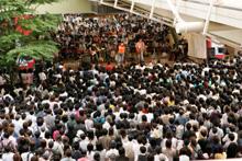 회장이 된 「에비나 비나워크」에는, 대략5000사람 팬이 지켜본